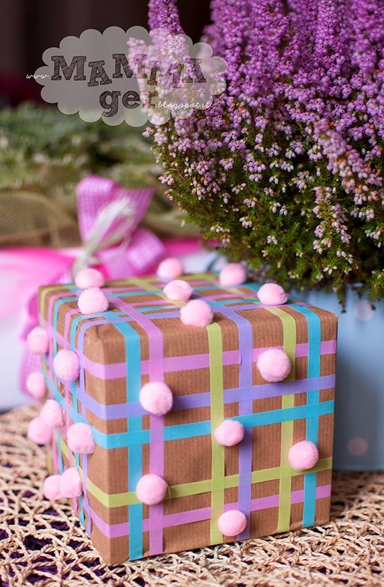 gift wrapping with wash tape and pom pom
