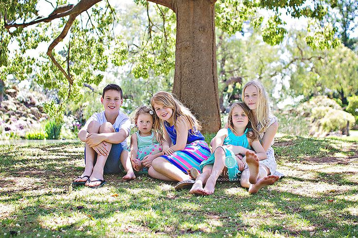 Family photos   Professional Photographer Melbourne   Photographer Werribee   Newborn Photography   Cheap Photographer Werribee   Cake Smash