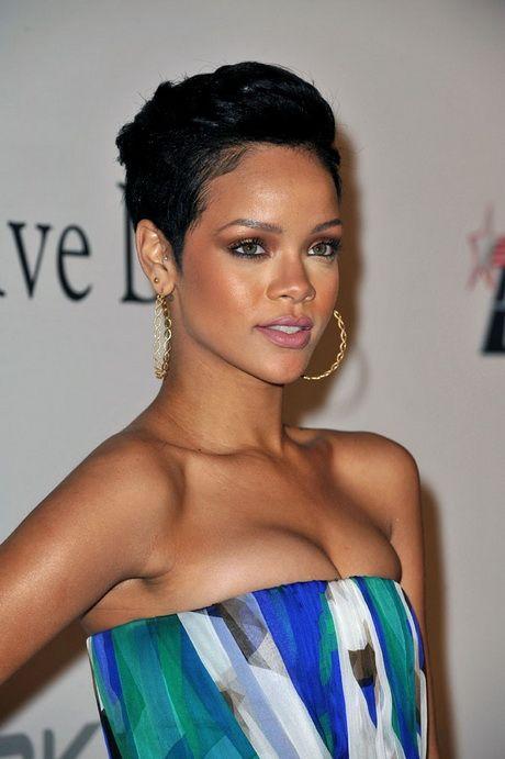 coupe courte cheveux frisés femme noire Recherche Google