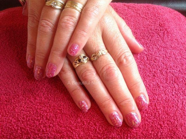 Gellak roze gliiter #gellak #Nagels #Nails