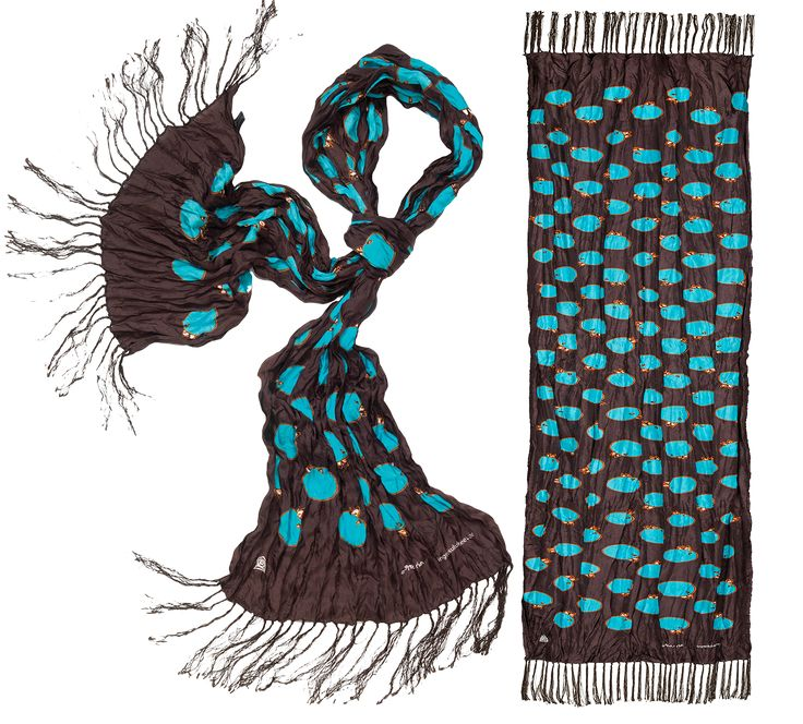 Inuit (Eskimo) Textile Art Inunoo Scarf - Night Churring by Ningeokluk Teevee