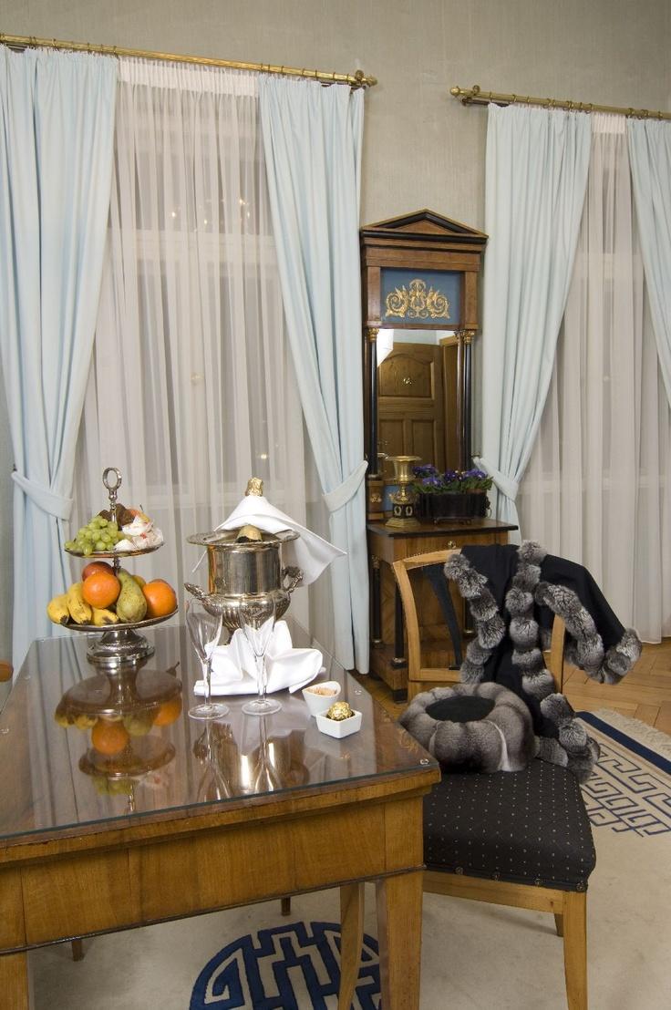Hotel Suite in Ansbach, Hotel Platengarten, Germany, Deutschland, Mittelfranken, Biedermeier Suite mit Marmorbad  #residenz #hotel #ansbach #zentral  #romantisch #denkmal #historisch #hochzeit