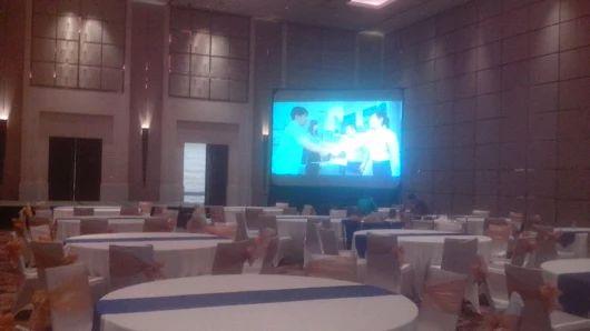 penyewaan proyektor 5000l dan screen 2x3m - Sewa projector infocus dan multimedia murah Jakarta Bogor Tangerang Depok Bekasi Bandung call Hotline 24 jam 081287180855