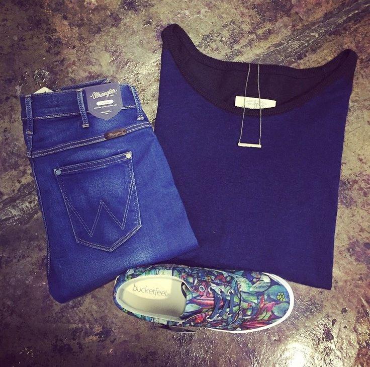 Get the look ;) #wrangler #fashionology #bucketfeet