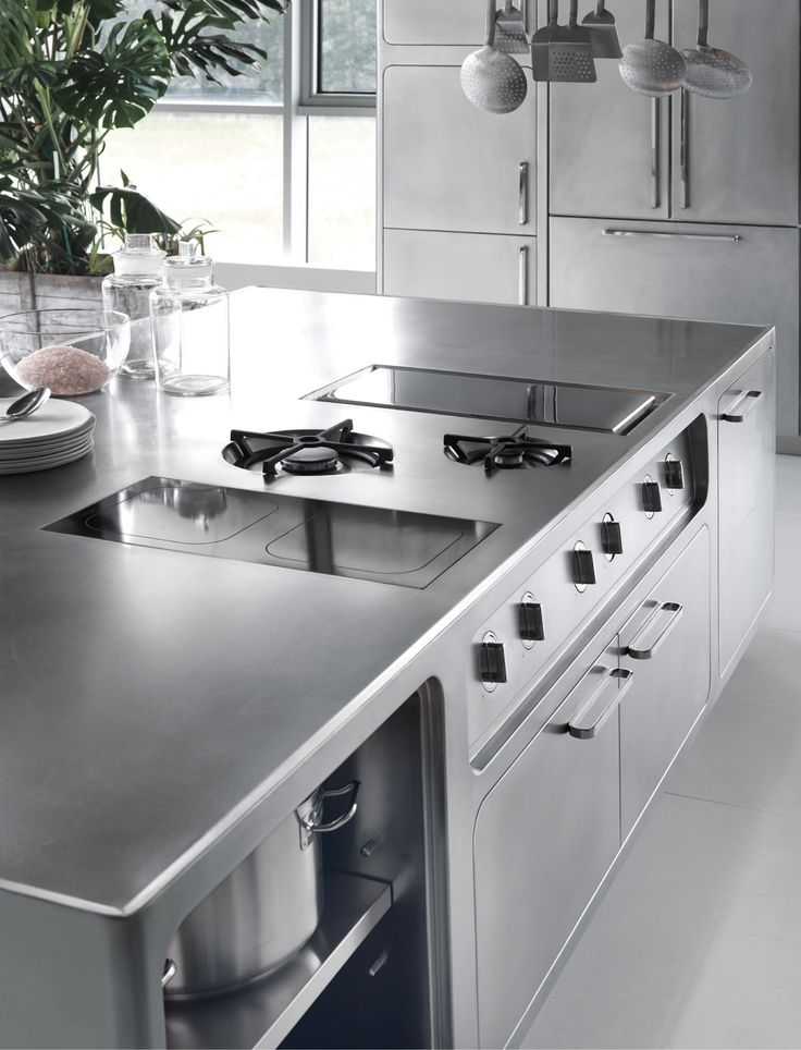 Cocina de acero inoxidable para uso profesional EGO by Abimis is a Prisma S.r.L. brandmark diseño Alberto Torsello