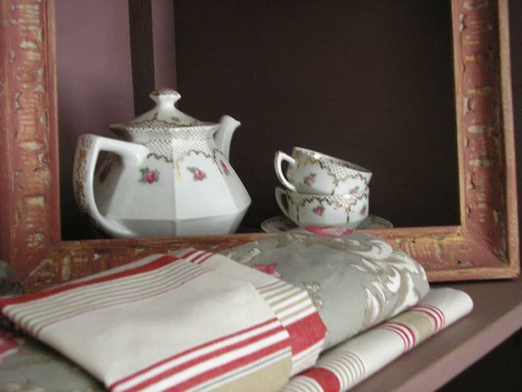 Tea pot & fabric......
