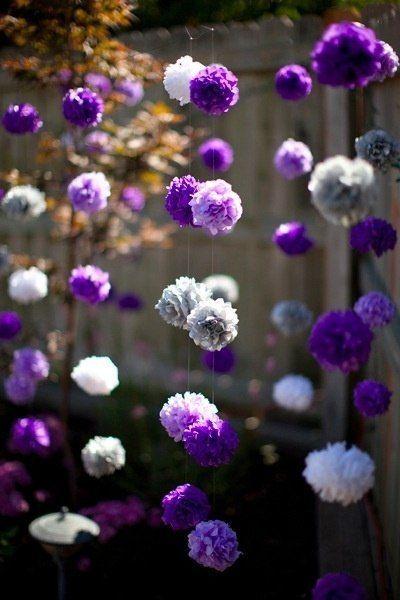 Помпоны из бумаги декор в фиолетовых оттенках