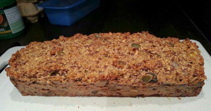 Sinds enige tijd ben ik helemaal gek van mijn zelfgebakken havermoutbrood. Zo lekker, zo voedzaam en zo gemakkelijk te maken. Ik heb het rec...