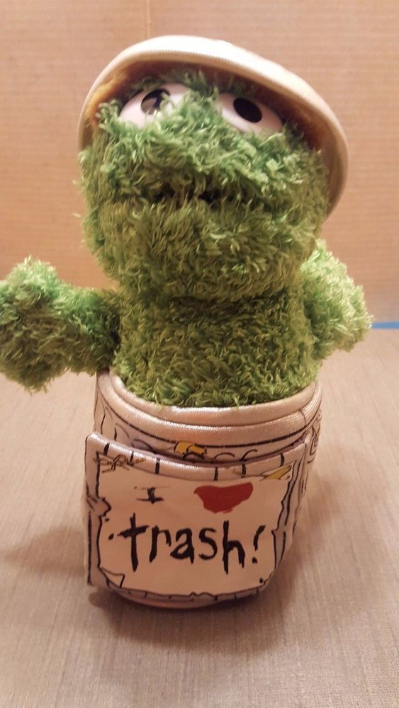 Sesame Street Oscar Plush Doll Soft green I love trash garbage can #GUND