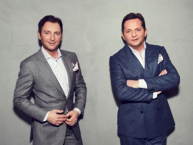 """""""Bonnie & Clyde"""" heisst das neue Album von Fantasy. Das klingt wenig nach Schlager. Welche Geschichte dahinter steckt, und warum sie perfekt zum 20-jährigen Jubiläum des Schlager-Duos passt, verraten Freddy und Martin im Interview."""