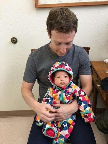 """Mark Zuckerberg e la piccola Max dal dottore: """"E' l'ora dei vaccini"""" - Repubblica.it Mobile"""