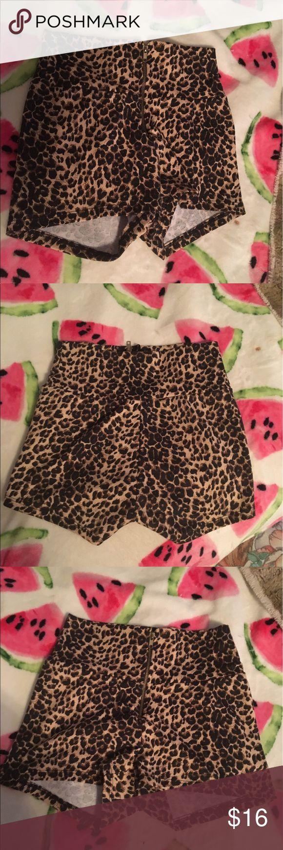 High waisted cheetah shorts size medium High waisted cheetah shorts size medium Shorts