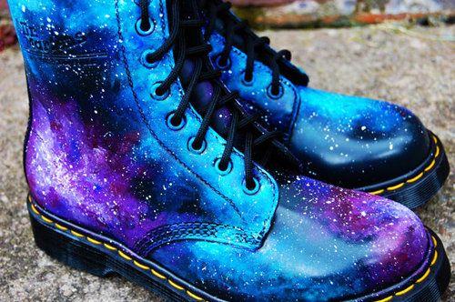 Galaxy Cosmic Print Dr Martens Hand Painted von jflellomartinez ...