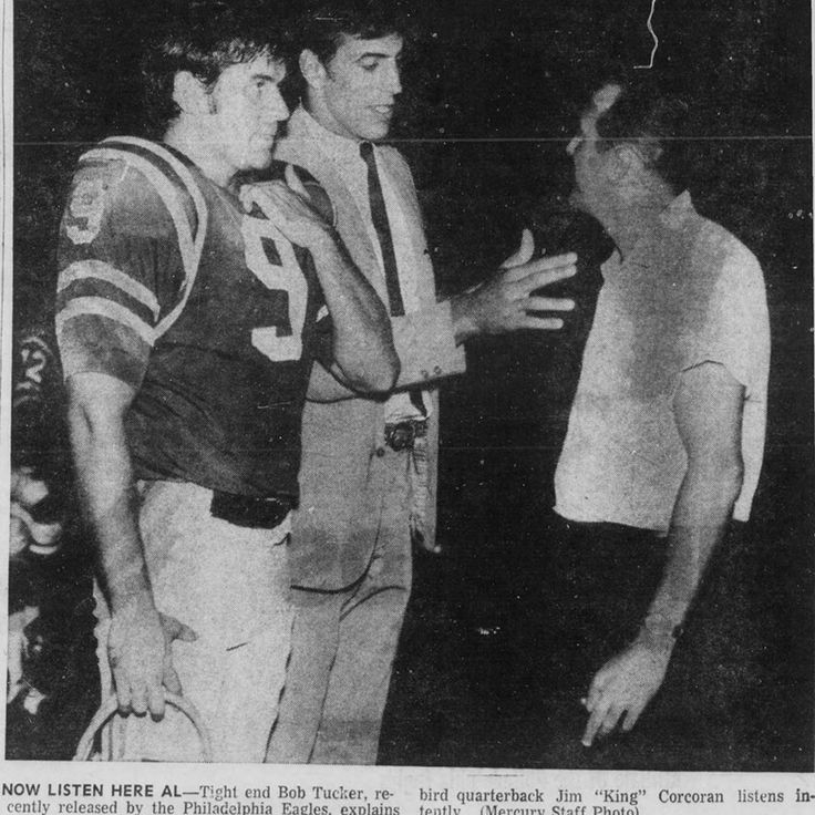 The King and Al Cavallo listening to Bob Tucker who would play 11 season in the NFL for the New York Giants and the Minnesota Vikings. He was also a teacher as he was chasing his NFL dream and he is now in the American Football Association Semi Pro Football Hall of Fame.#semiprofootball #football #usa #philly #philadelphiaeagles #eagles #philly #europe #players #sports #sportsbook #website #pottstownfirebirds #music #bookpublisher #selfpublished #selfie #photography #nfl #sportsbook…