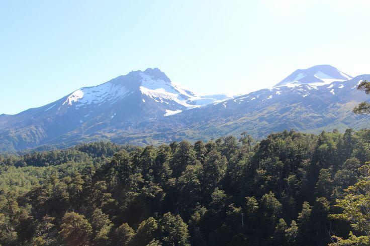 Vista Volcán Mocho Choshuenco. Panguipulli.