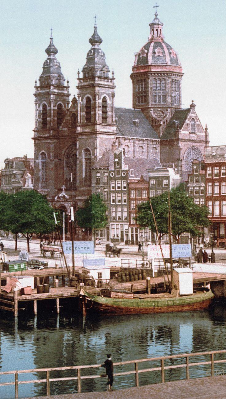Old Amsterdam. Sint Nicolaas Kerk.