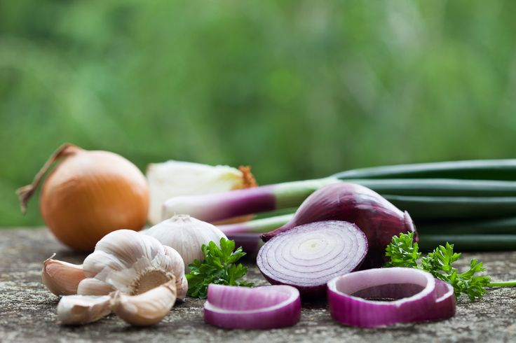 If a recipe calls for an onion, should you reach for a red, white or yellow onion or a scallion? Does it matter?