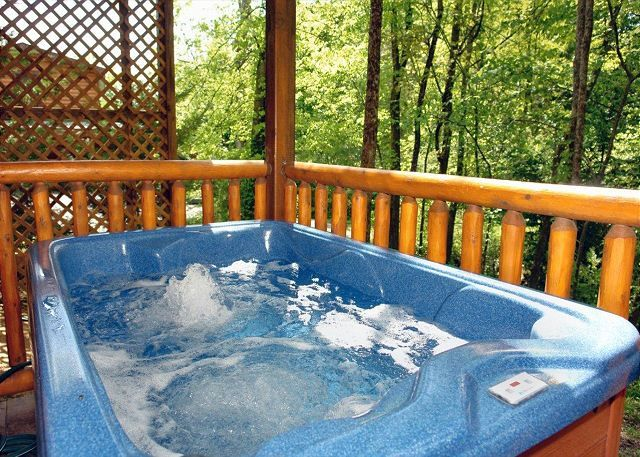 Skinny Dippin' 261 | 2 Bedroom Cabins | Pigeon Forge Cabins | Gatlinburg Cabins
