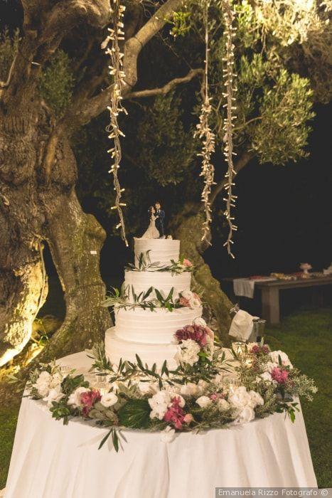 4 consigli per la vostra torta nuziale decorata con i fiori
