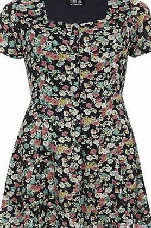 Dorothy Perkins Womens Poppy Lux Multi Ditsy Floral Tea Dress- Multi coloured floral tea dress with short sleeves and v neck. Length 90cm. 100% Polyester. Machine wash delicate with similar colours. http://www.comparestoreprices.co.uk/womens-clothes/dorothy-perkins-womens-poppy-lux-multi-ditsy-floral-tea-dress-.asp
