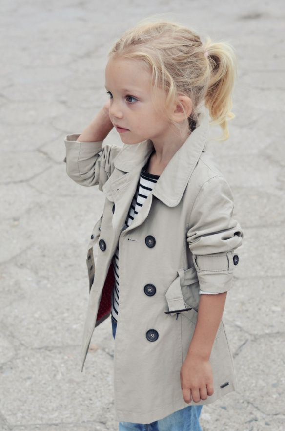 Little trenchLittle Girls, Kid Style, Kids Style, Future Daughter, Kids Fashion, Baby Trench Coat, Kidsfashion, Trench Coats, Style Fashion
