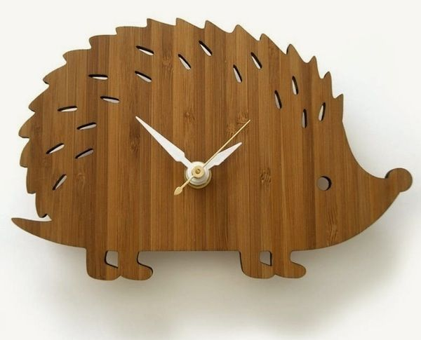 Fun hedgehog clock (via heartmade) #hedgehog #clock #wood