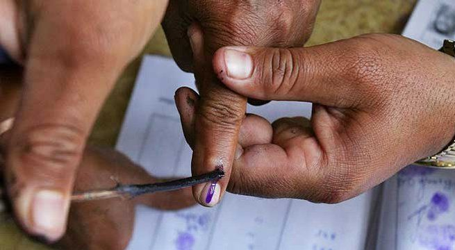 Imphal: A total of 21 percent voter turnout was recorded till 9 a.m. in the last phase of Manipur Assembly polls. Expressing confidence, Manipur Chief Minister Okram Ibobi Singh earlier in the day said they will get a clear majority in the state polls. Both he and his son Kenedy Singh cast their...