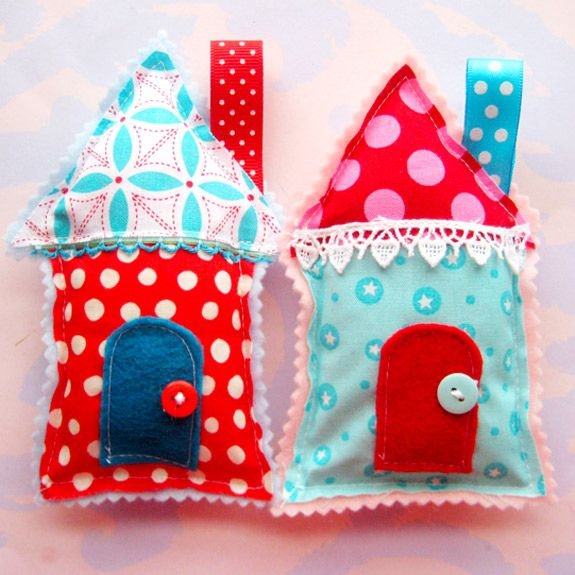 would make great ornaments! she has other more Christmas-y ones but I love the red and turquoise!