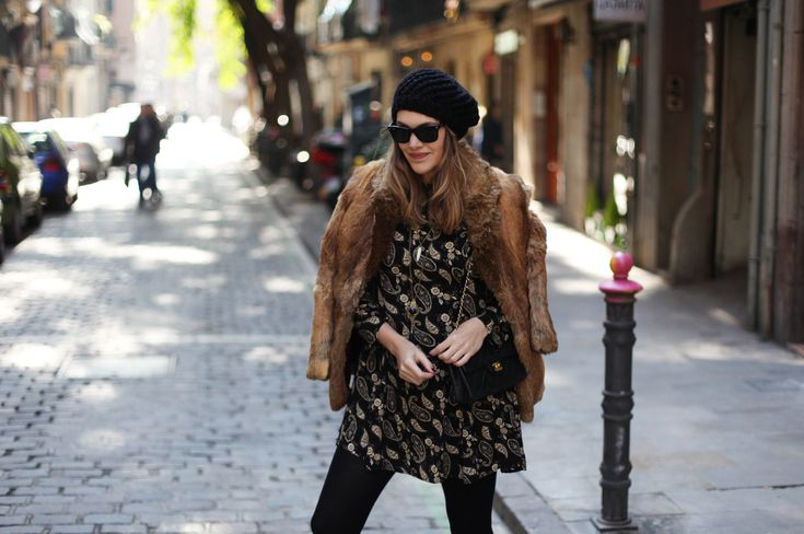 Abrigo / Coat: vintage  . Vestido / Paisley dress: Glamorous   . Bolso / Bag: Chanel  . Botas / Booties: Uterqüe