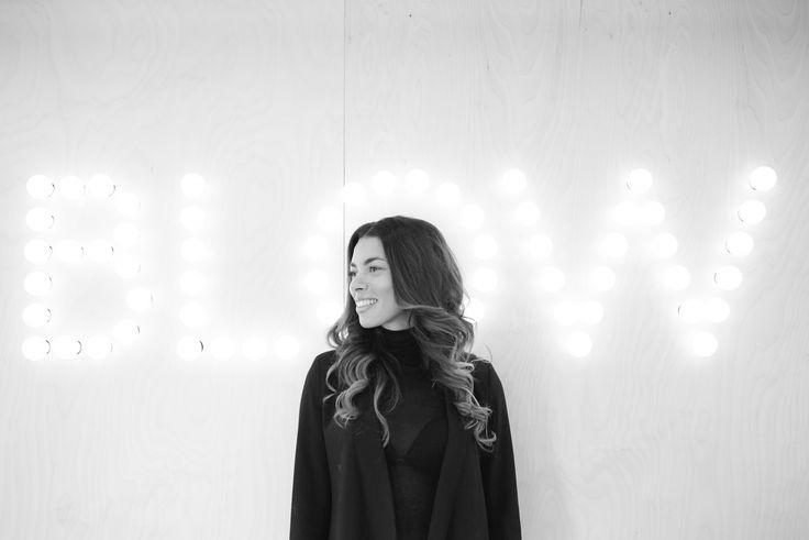 Isabel Christensen har delt sine bedste skønhedstips og yndlingsprodukter med os. Få inspiration til, hvordan du plejer din hud, og hvilke plejende produkter Isabel anbefaler.