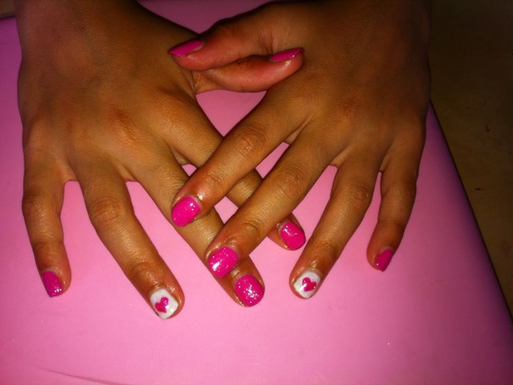 Hot pink #shellac mani with pink heart accent nail