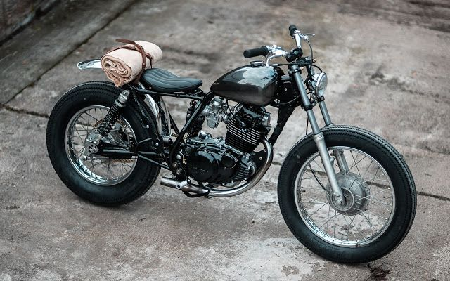 Yamaha SR250 SE - Hookie.co - RocketGarage Cafe Racer