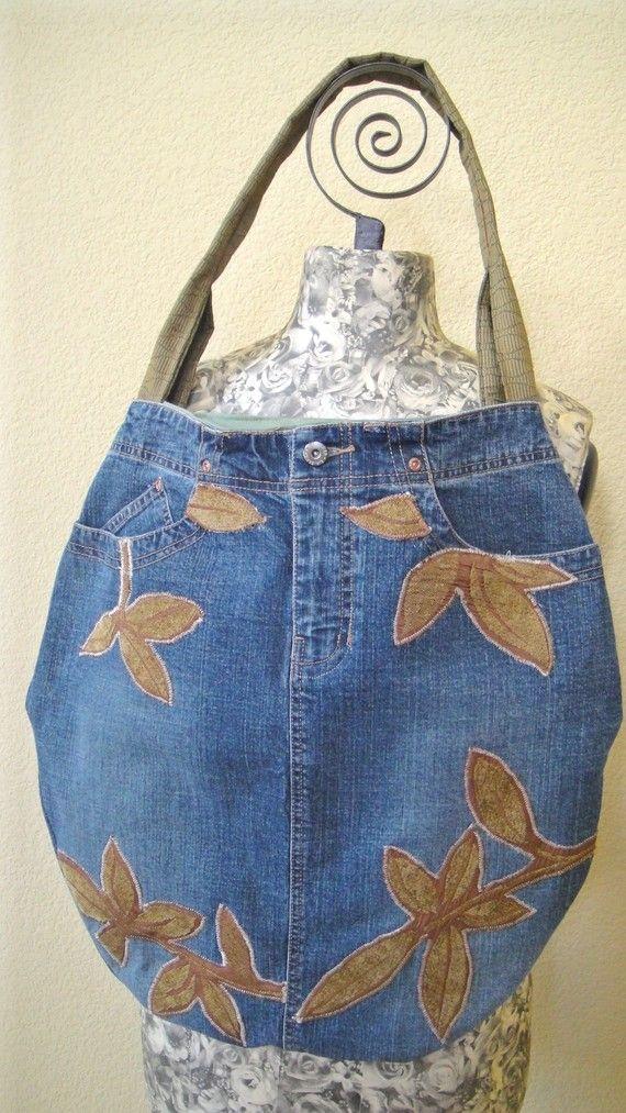 tote bag made from jeans with applique detailingDenim Pur, Appliques Details, Upcycling Denim, Shirts Ideas, Denim Jeans, Denim Bags, Totes Bags, Sewing Ideas, Jeans Denim