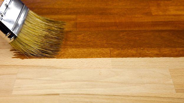 Come usare le terre colorate sul legno