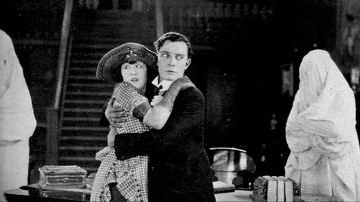 Buster Keaton & Edward F. Cline: La casa stregata (1921) questo è uno dei film di Keaton che preferisco, le acrobazie che compie su quella scala sono straordinarie. #BusterKeaton #1921 #Hollywood #publicdomain