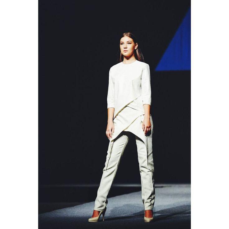 Outfit no.2 from #gogandru collection #fashion #fashiondiaries #design #galamodauvt2015 #galamodauvt #galauvt #galauvt2015 #picoftheday #vscocam #timisoara #ootd #art #texture #fashiondesign #designer #sculptural #minimalism #white #pictureoftheday #clothes #architecture #inspiration #metallic #holographic #silver #student #collection #instagood #architectural