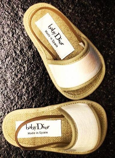 Baby Dior. Petites sandales pour être top tendance cet été