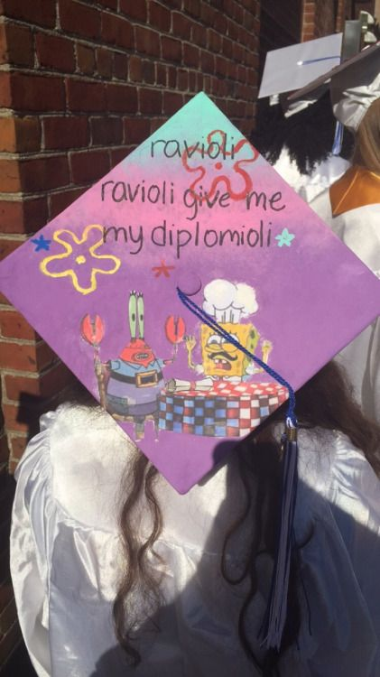 I've got to say, I'm really jealous that ornate graduation cap decorating wasn't really that big of a thing when I graduated college. And even if I wanted to decorate my hat in high school, I wouldn't have been able to because we had to give our caps back! But despite my jealousy, I'm a sucker for these funny af caps. I know, I know, this is probably the zillionth graduation cap roundup that you've seen, but there's nothing wrong with checking out a zillion and one of 'em.