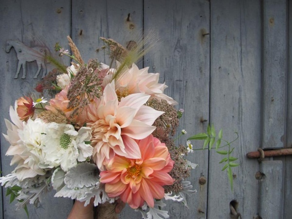 Romantic dahlia bridal bouquet from The Blue Carrot
