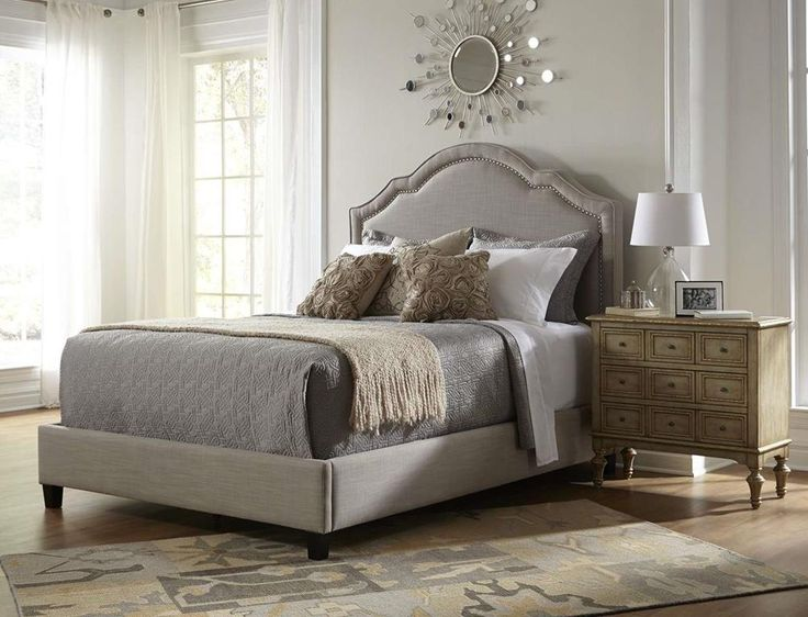 Amazon Com Pulaski Shaped Nailhead Bed King Furniture Decor