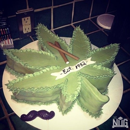 Marijuana Cakes 14 Cake Ideas And Designs cakepins.com