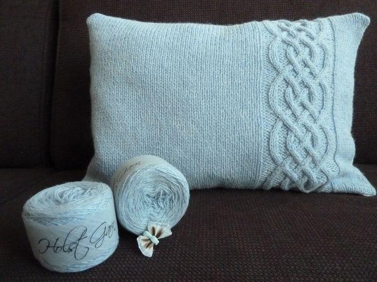 19 best images about coussins en tricot on pinterest cushions un and rouge. Black Bedroom Furniture Sets. Home Design Ideas
