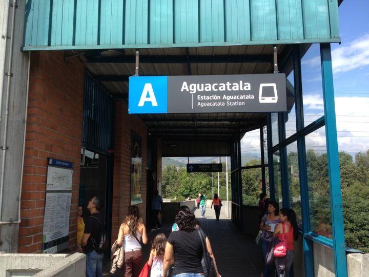 METRO - Estacion Aguacatala en Medellín, Antioquia