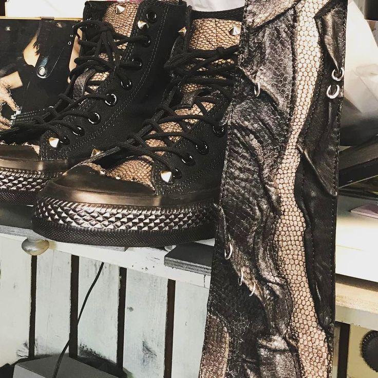 Allstarke & kravata EvilEve. . #leathercraft #fashionistas #tie #evileve #evilevedesign