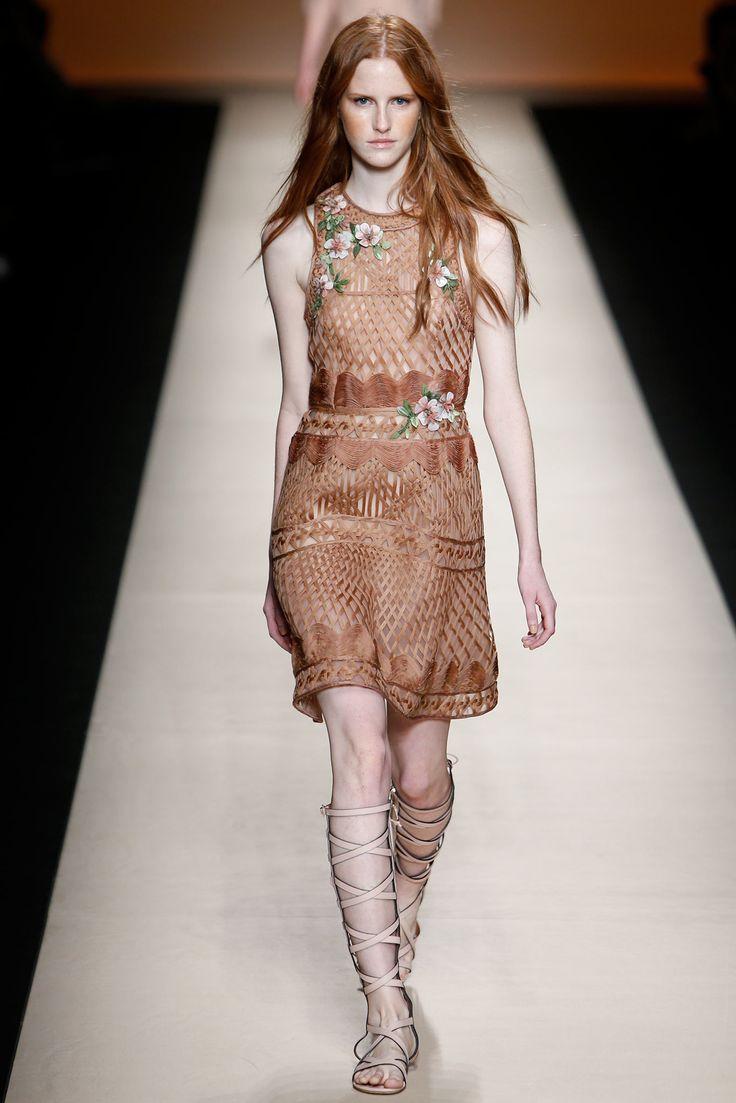 Alberta Ferretti Spring 2015 Ready-to-Wear - Collection - Gallery - Style.com on Vein - getvein.com