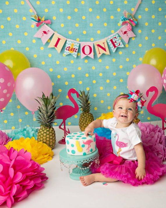 PINK FLAMINGO BANNER / 1st birthday girl / Flamingo banner / Cake smash banner…