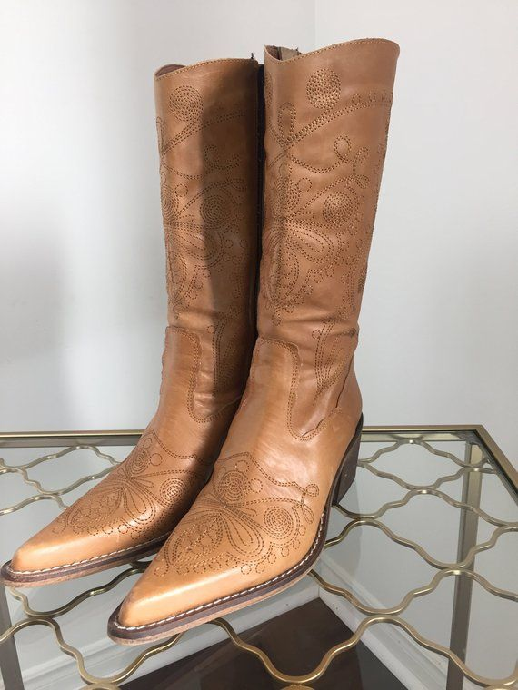 8f32e34d729 1980s Cowboy Boots - Golden Honey Brown - Aldo - Embroidered Cowboy ...