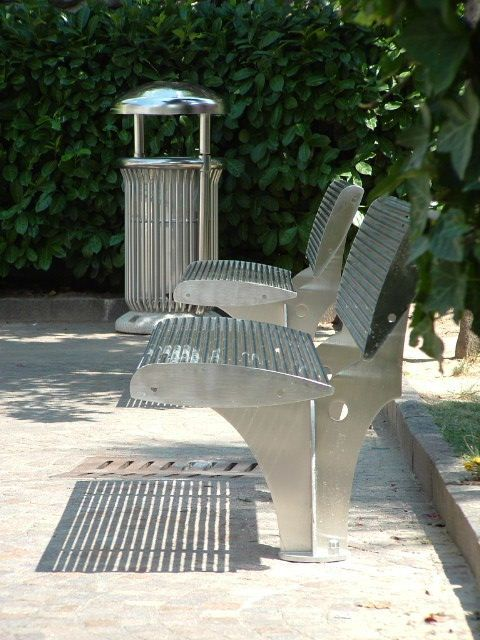 ARTU litterbin with ZEBRA bench #Bellitalia street furniture. #sustainability for a better #environment