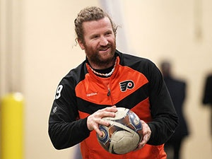 Scott Hartnell, Philadephia Flyers, Cosmo magazine has him as the fifth hottest player in the NHL. He's #1 in my eyes!!