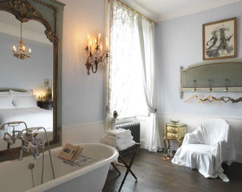 : Wall Colors, Shabby Chic Decor, Romantic Vintage, Vintage Bathroom, Dreams Bathroom, Vintage Houses, Bathroom Pictures, Shabby Chic Bathroom, Shabby Chic Interiors